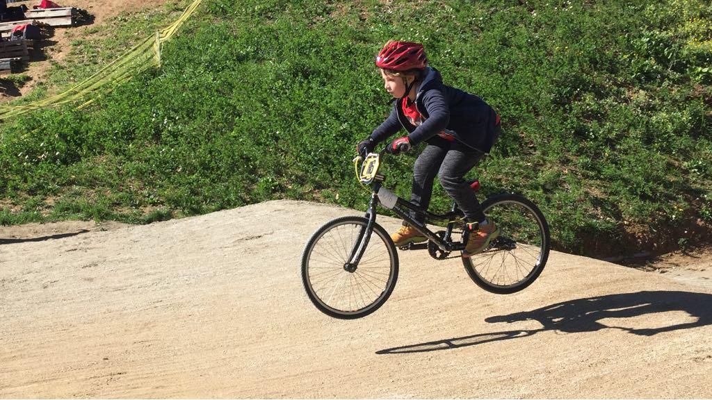 BMX AL CIRCUIT DEL VELODROM D'HORTA